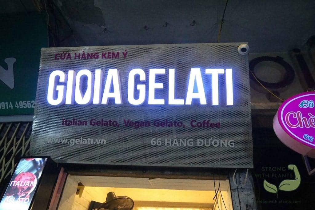 Ice-Cream Gelato in the Night-Market in Old Quarter, Ha Noi